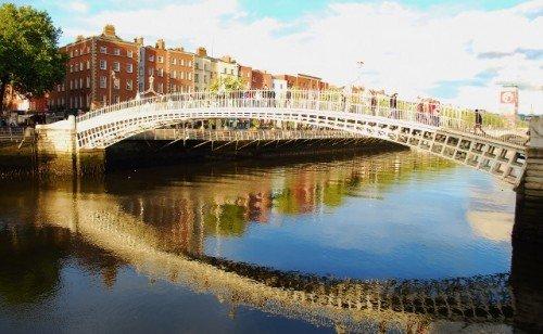 Halfpenny Bridge 1 Dublin