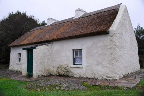 Cottage belonging to Padraic Pearse, 1