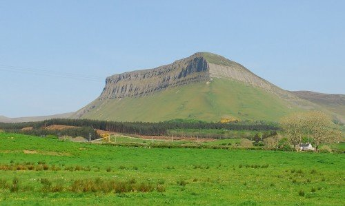 Benbulben , Straight view, Sligo